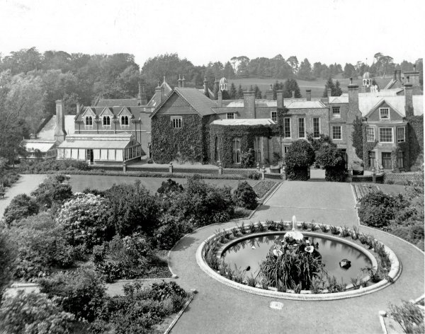 5-1-19-3 - Wotton Fountain from Mound CS13-5 1898