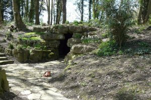 5-1-25-2 - Elmstone Court Cave Approach DSCF1393a