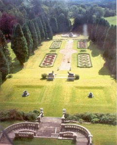 4-2-8-06 - Ardross Formal Garden from Castle - RJ Oct 07 - ITALIAN 2