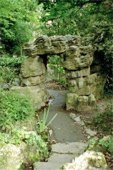 5-10-34-01 - Barnet Arch