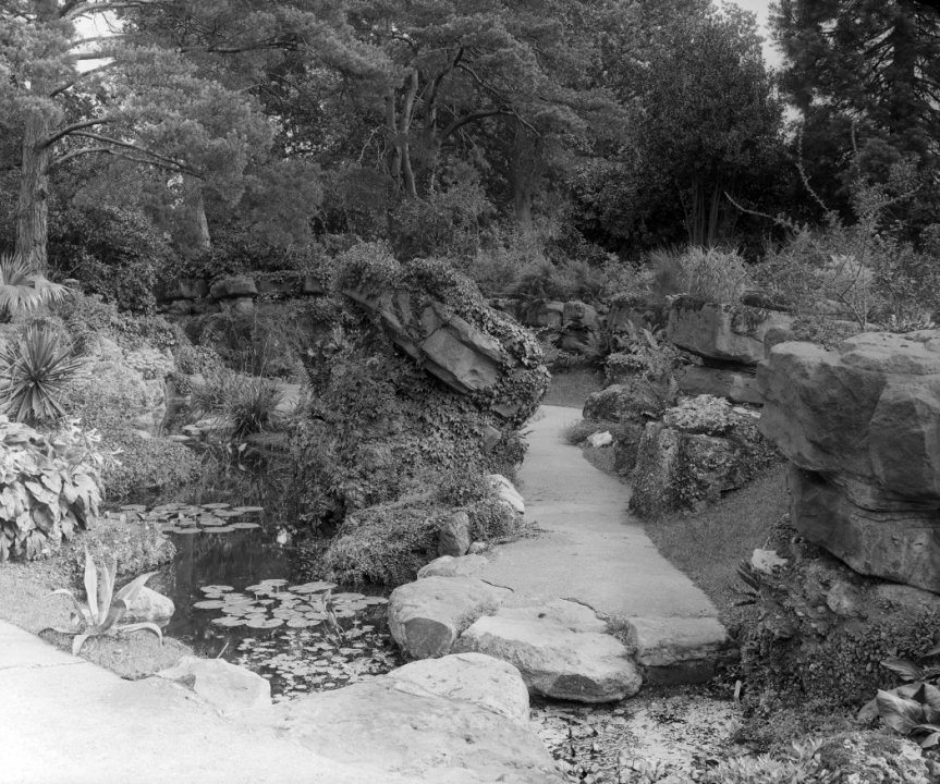 5-10-36-4 - Bearwood Tilting Rock c1902 - CL