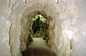 1-5-10-1 - Old Warden Grotto 1