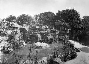 1-5-12-1 - Waddesdon Water Garden