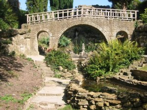 1-5-25-1 - Merrow Grange Dellwood Garden