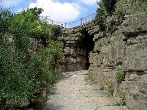 1-5-41-1 - Ramsgate - West Cliff Arch 1552e