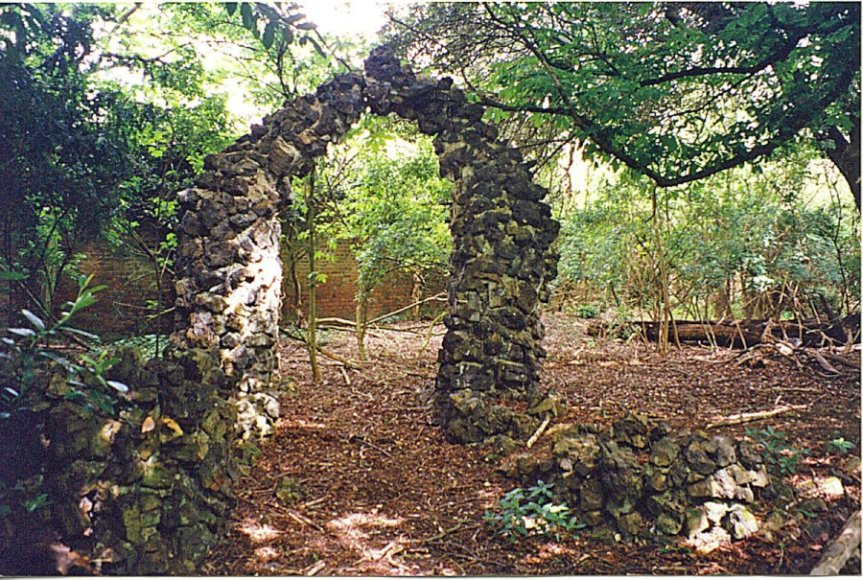 5-1-51-5 - Ware Park Arch 1