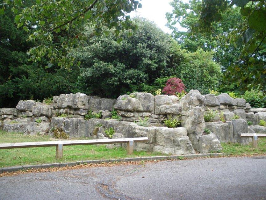 150911 - Worth Park Rockery