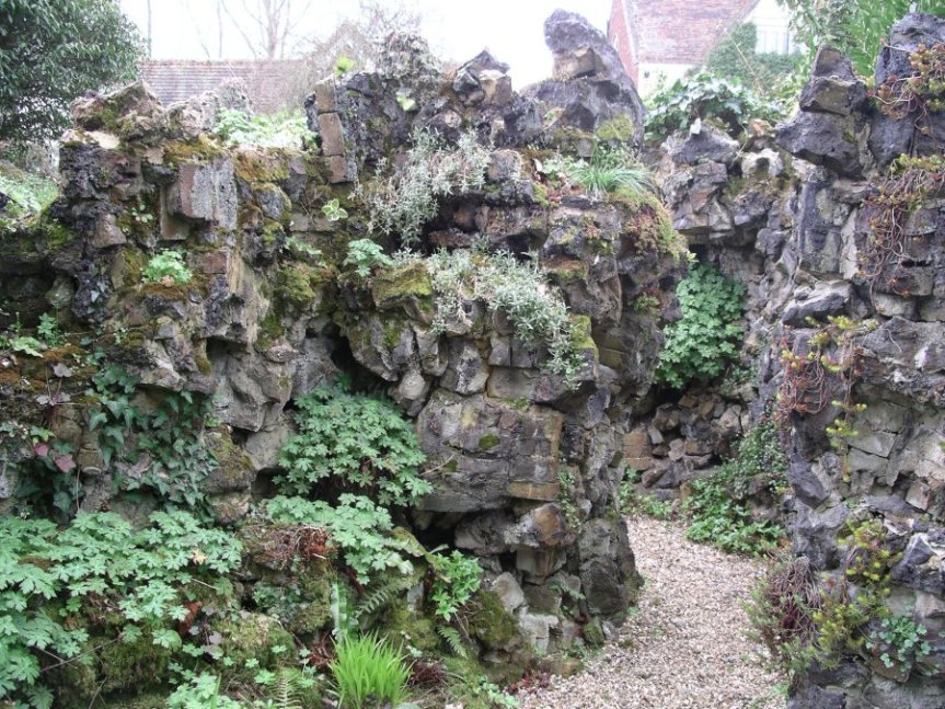 5-10-55-02 - Benington - Peterscourt, Maze - Path 1