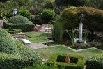 JP05 - Danesfield Italian Garden