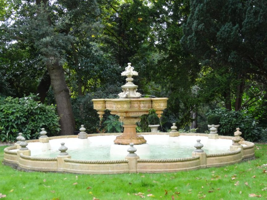 5-1-58-5 - Sydenham Barry - Fountain after restoration