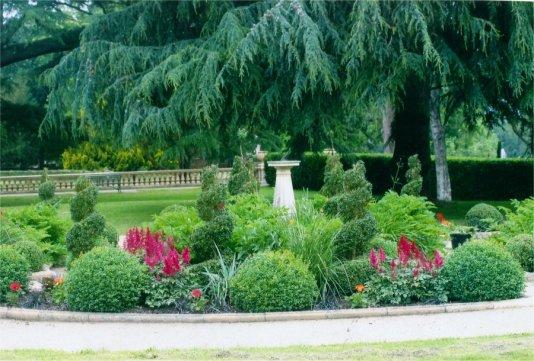 160709 - Worth Park Dutch Garden - M Clark