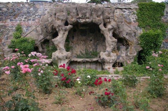 170517 - Istanbul - Sale Pavilion Grotto