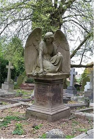 170522 - Memorial in Hoddesdon Cemetery